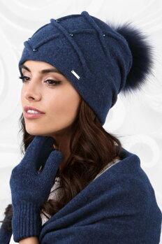 15533a0468e1 Tmavomodrá luxusná dámska čiapka na zimu s kožušinovým brmbolcom Kamea  Marsala