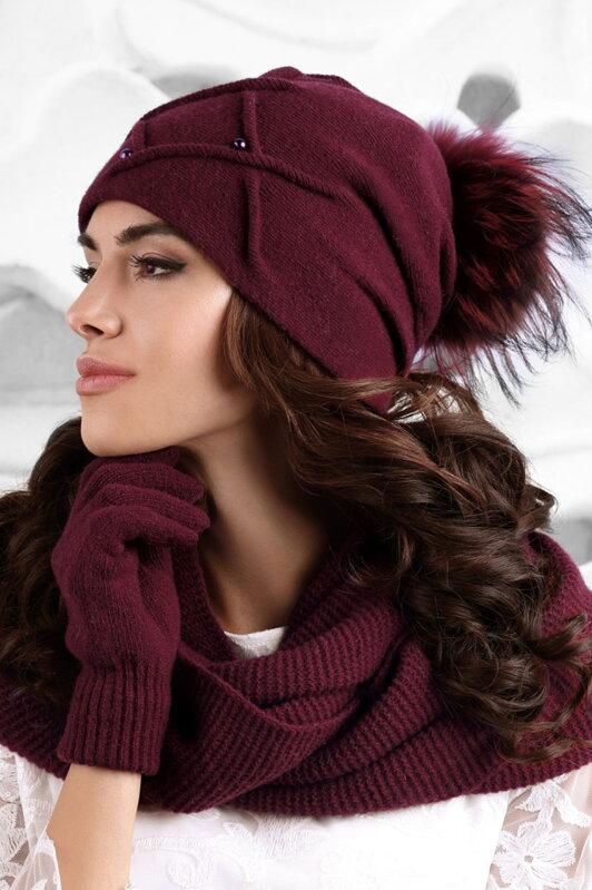 043eb30f3 Luxusná dámska čiapka na zimu s kožušinovým brmbolcom Kamea Marsala