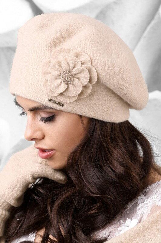 cf4cc1332 Béžová luxusná elegantná dámska baretka na zimu s kvetom Kamea Vicenza