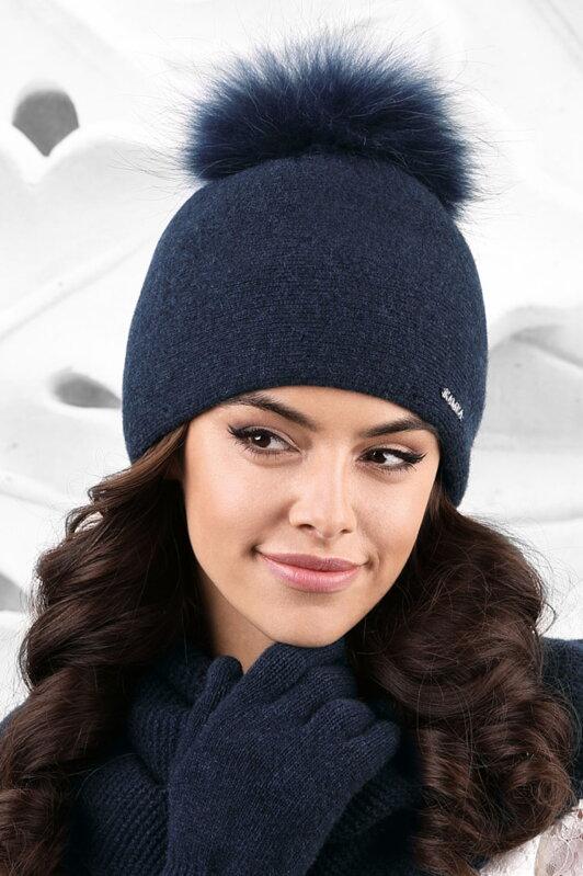 e419f88e8 Dámska zimná čiapka s kožušinovým brmbolcom Kamea Mediolan